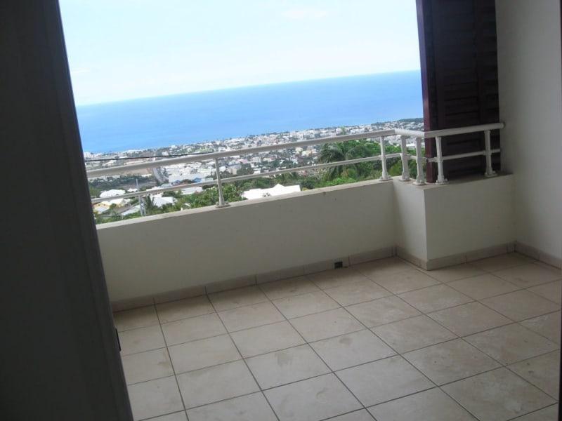 Location appartement Ste clotilde 810€ CC - Photo 2
