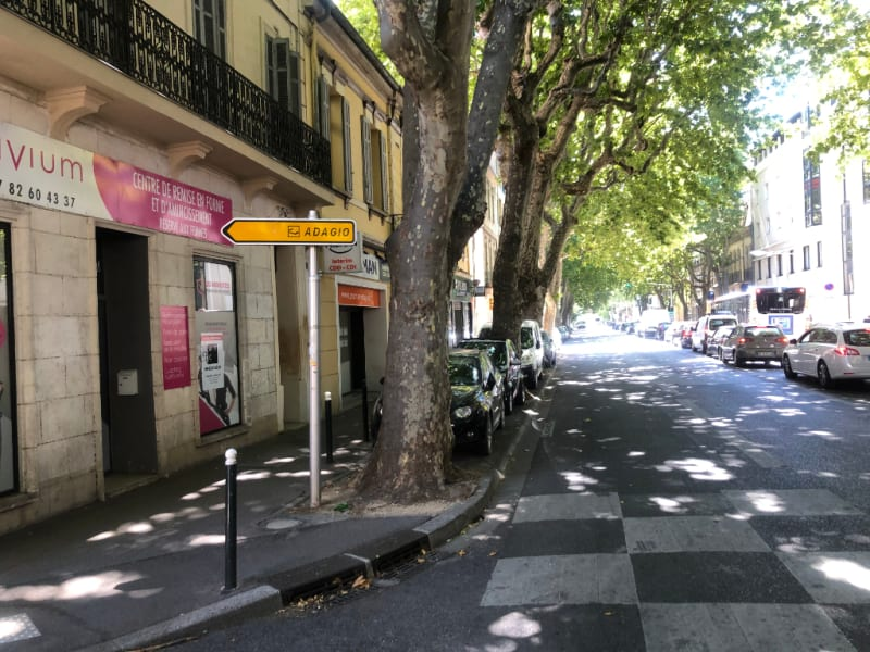 Rental empty room/storage Aix en provence 2 660€ CC - Picture 1