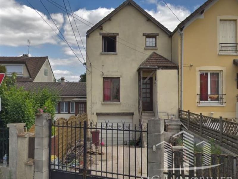 Sale house / villa Montfermeil 245000€ - Picture 1