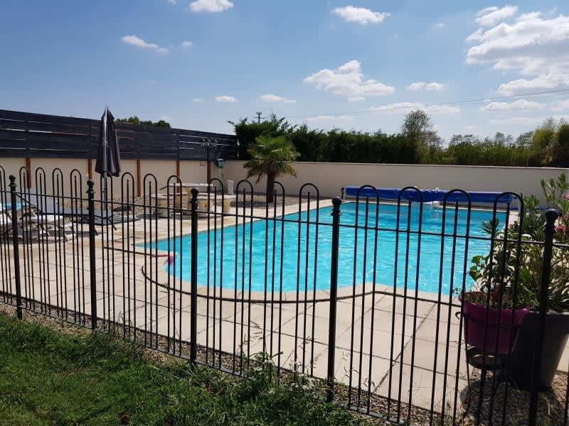 Sale house / villa Moulins 248000€ - Picture 2