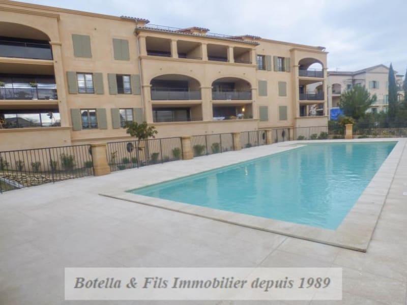 Verkoop  appartement Uzes 250000€ - Foto 1
