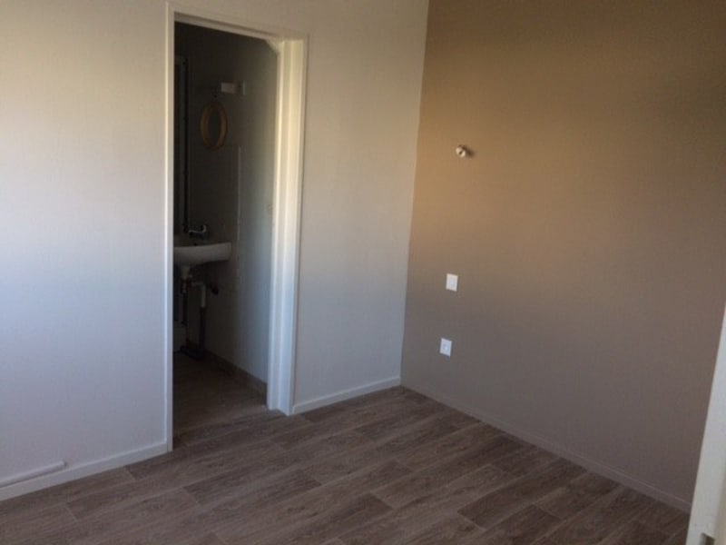 Location appartement Coutances 306€ CC - Photo 3