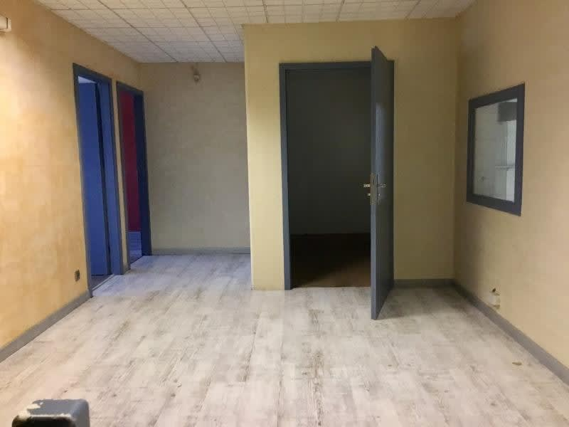 Location local commercial Strasbourg 2200€ HC - Photo 5