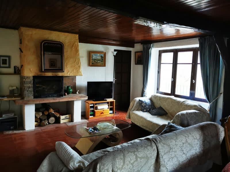 Sale house / villa Rouairoux 130000€ - Picture 2