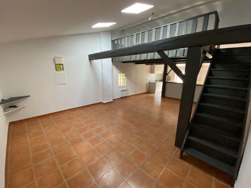 Location appartement Les milles 900€ CC - Photo 2