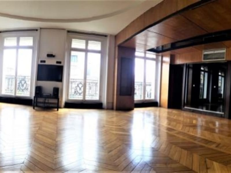 Location appartement Paris 16ème 7 650€ CC - Photo 3