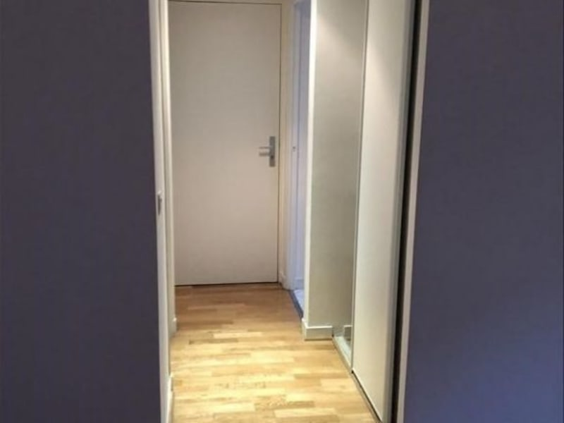 Location appartement Paris 9ème 1 000€ CC - Photo 3