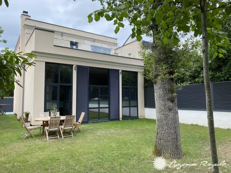 Sale house / villa St germain en laye 2195000€ - Picture 1