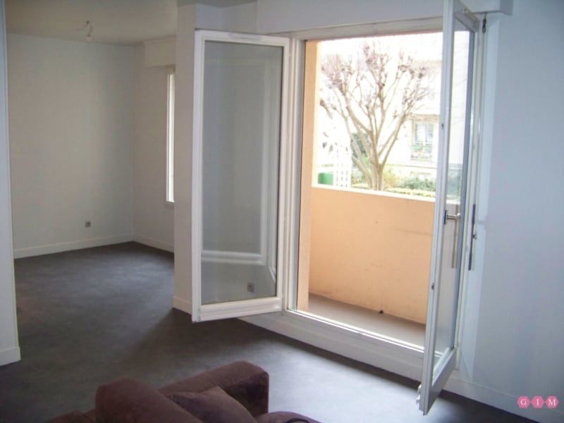 Location appartement Poissy 928€ CC - Photo 2