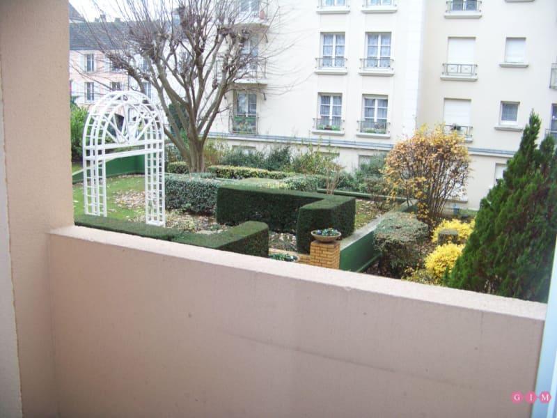 Location appartement Poissy 928€ CC - Photo 3
