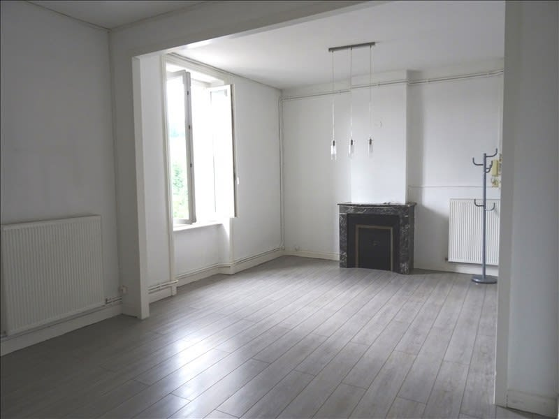 Rental apartment Regny 450€ CC - Picture 1