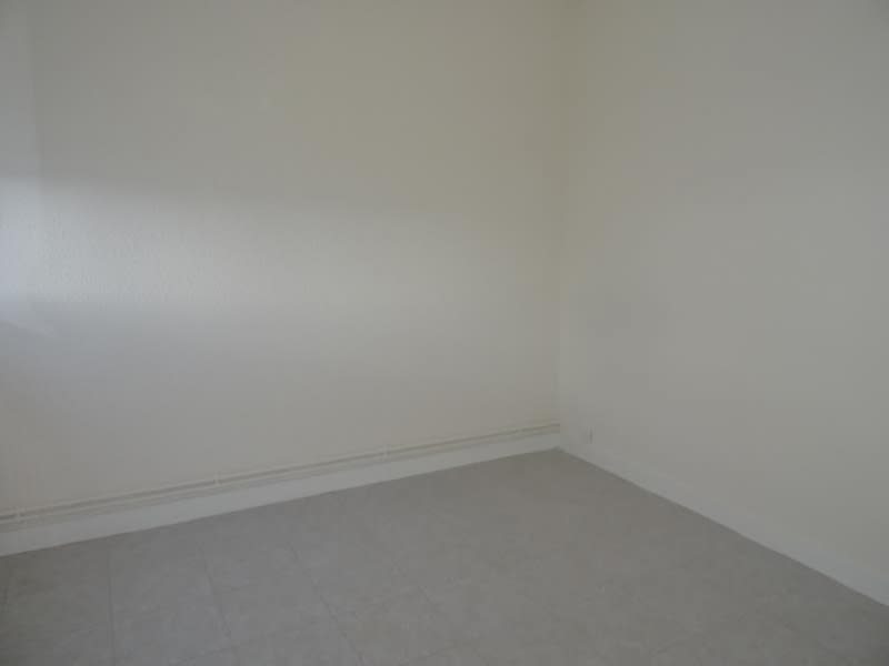 Rental apartment Le coteau 490€ CC - Picture 5