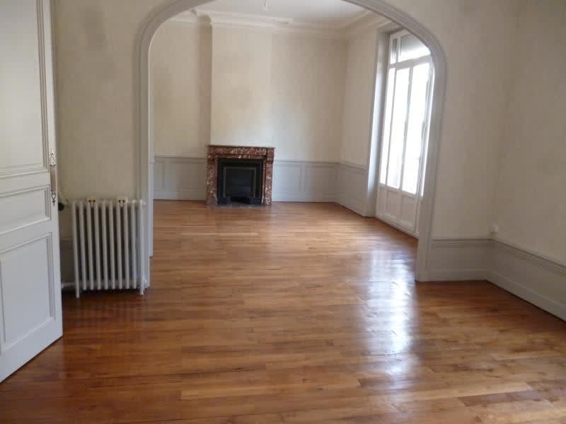 Location appartement Roanne 760€ CC - Photo 2