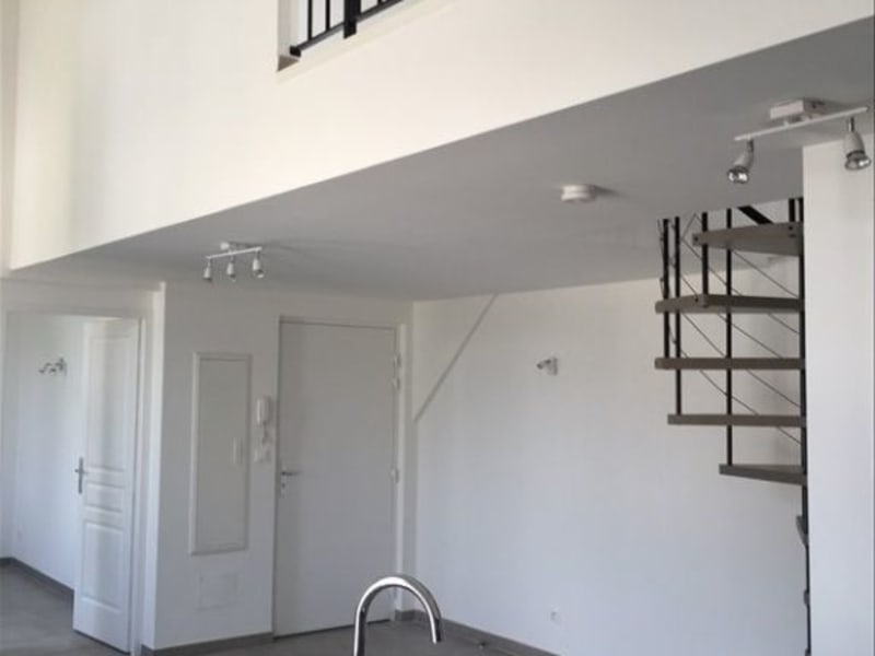 Location appartement Rognes 774€ CC - Photo 3