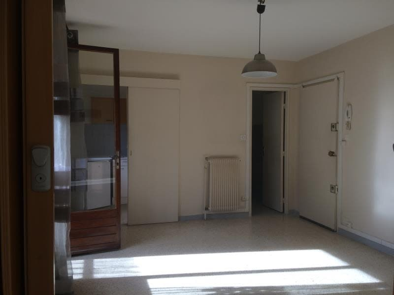 Rental apartment Aix en provence 663€ CC - Picture 2