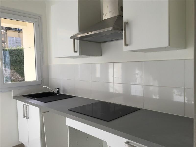 Rental apartment Aix en provence 858€ CC - Picture 1