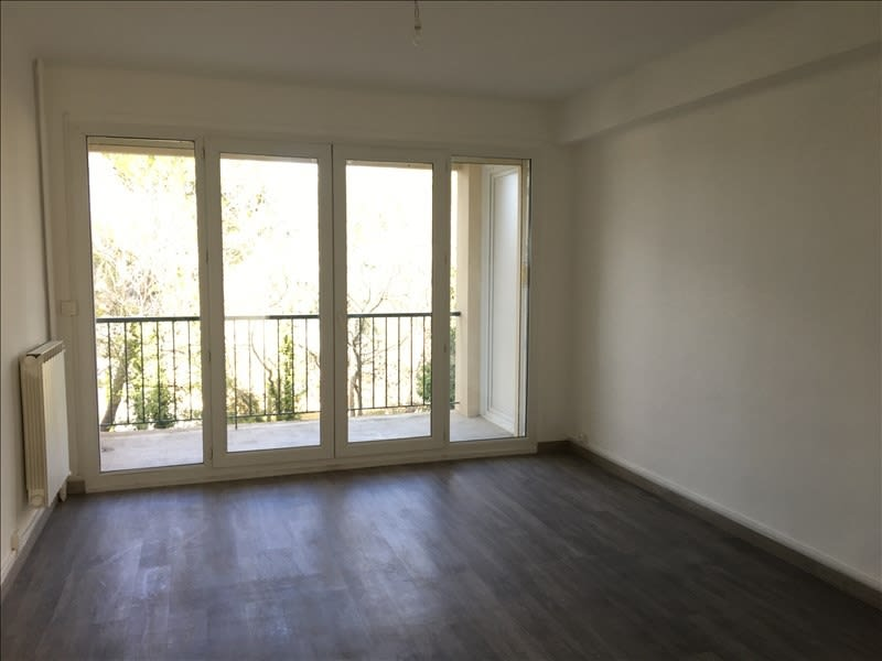 Rental apartment Aix en provence 858€ CC - Picture 2
