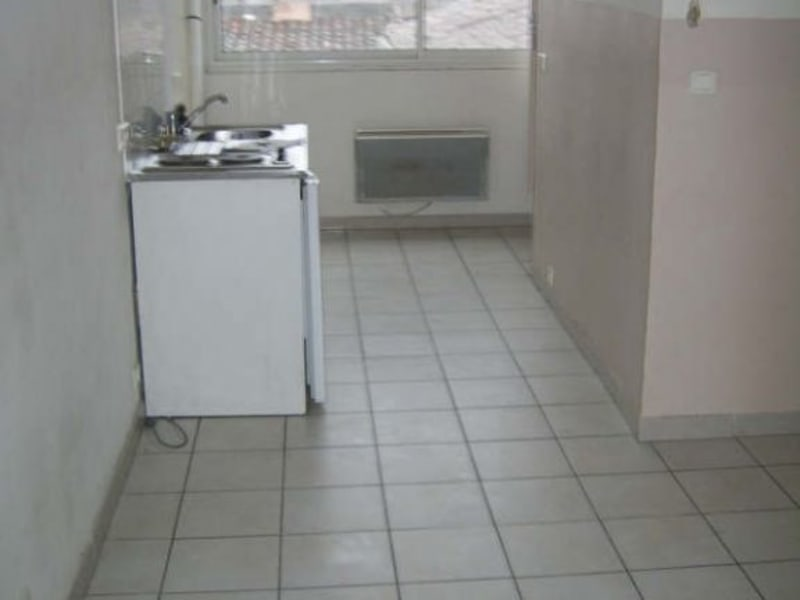 Location appartement Nimes 390€ CC - Photo 2
