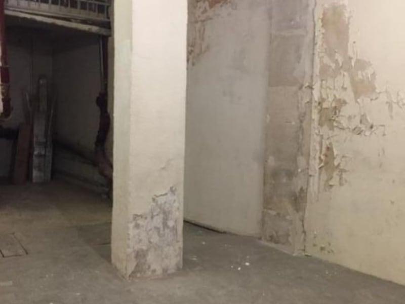 Rental empty room/storage Paris 10ème 920€ HC - Picture 1