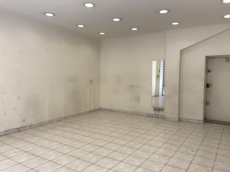 Rental empty room/storage Paris 11ème 1600€ HC - Picture 2