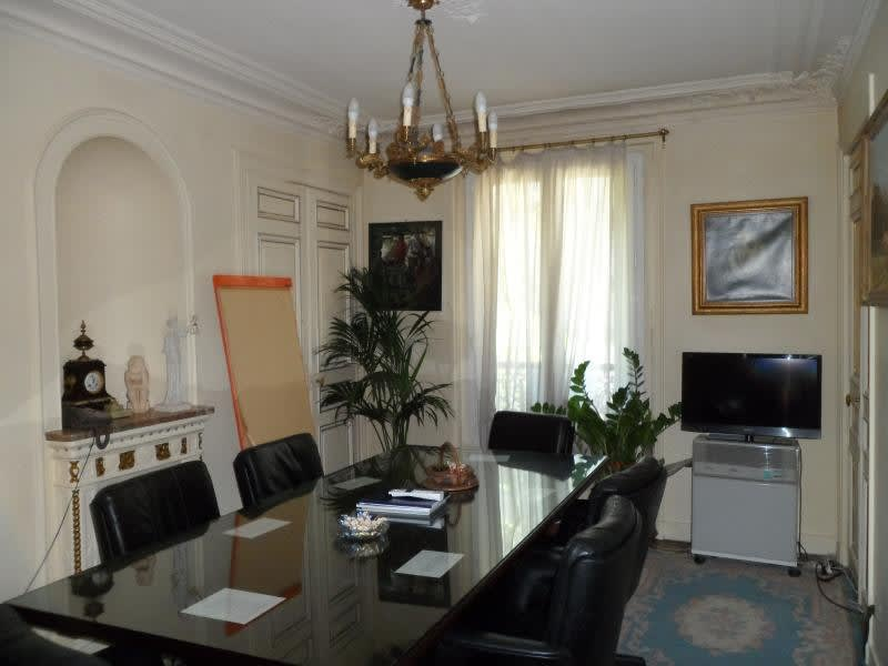 Sale apartment Paris 10ème 978500€ - Picture 2