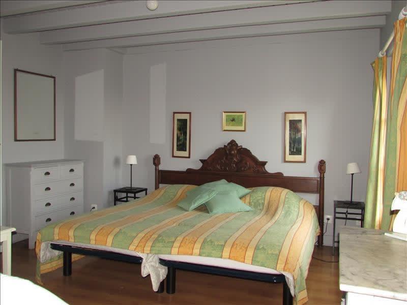 Sale house / villa Verdelot 240000€ - Picture 6