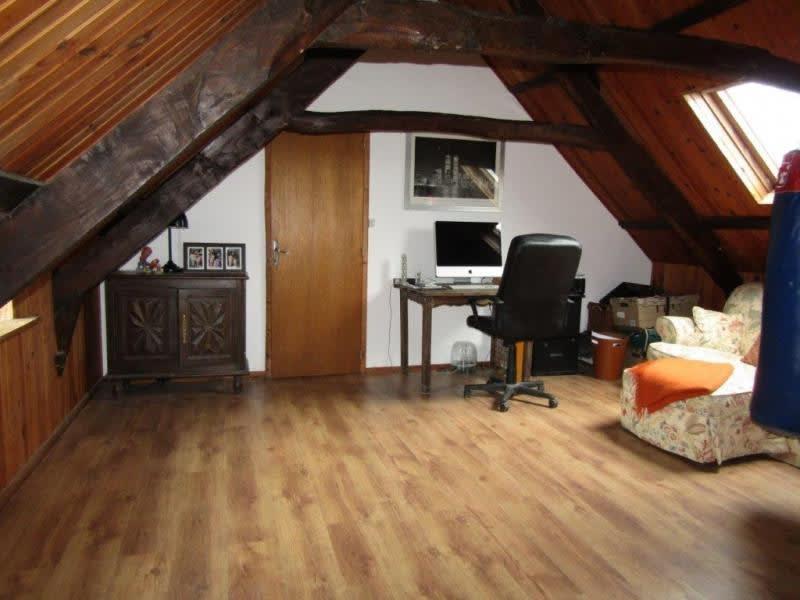 Sale house / villa Mael carhaix 159430€ - Picture 7