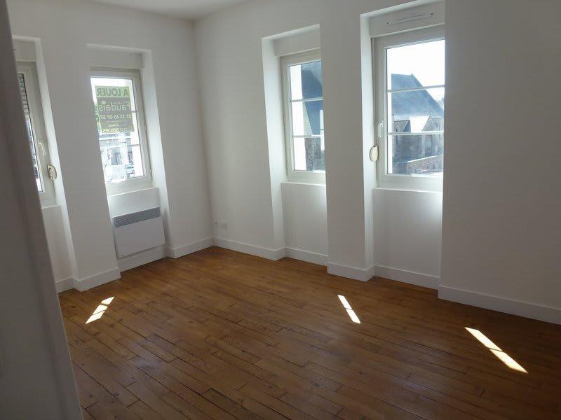Location appartement Periers 375€ CC - Photo 1