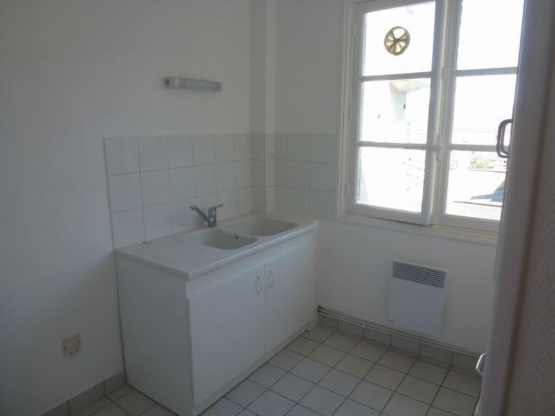 Location appartement Periers 375€ CC - Photo 4