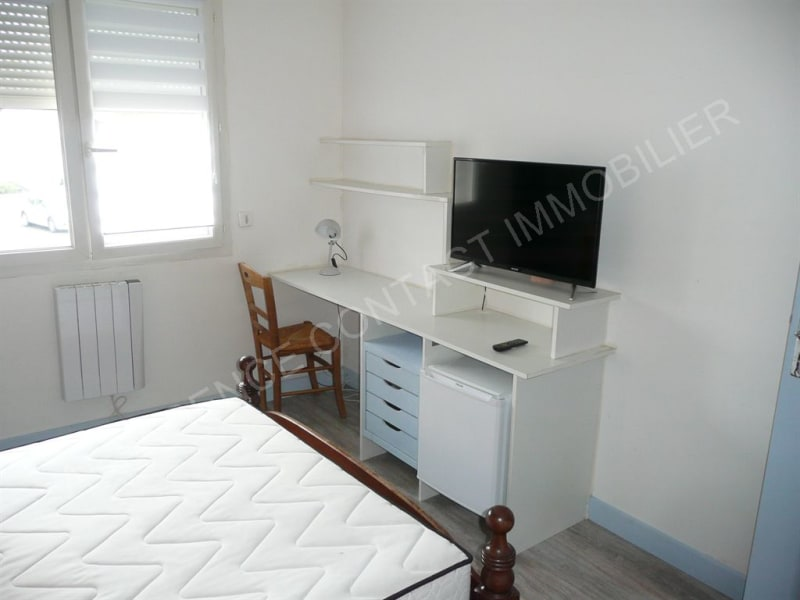 Location appartement St pierre du mont 390€ CC - Photo 2