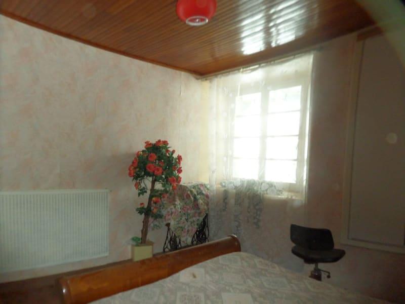 Sale house / villa Presailles 80000€ - Picture 4
