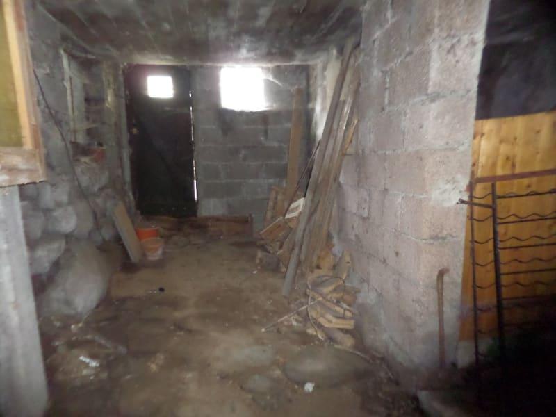 Sale house / villa Presailles 80000€ - Picture 9