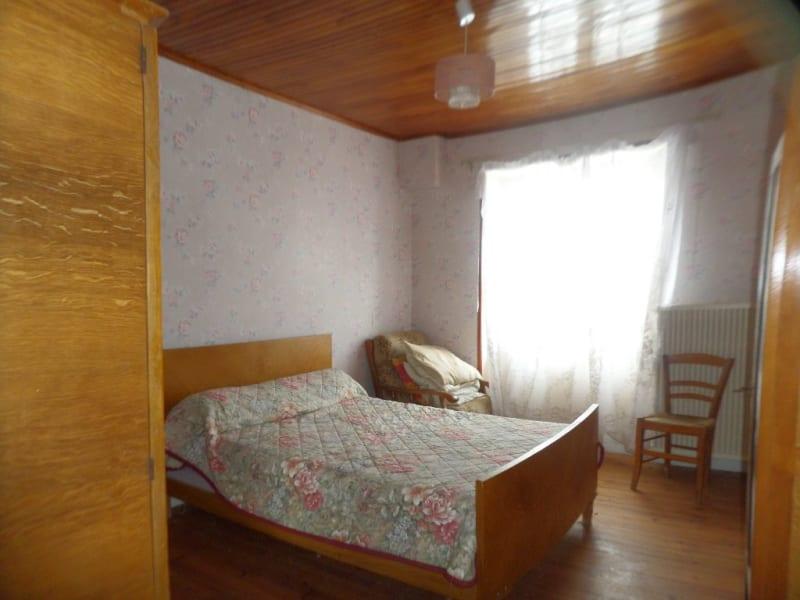 Sale house / villa Presailles 80000€ - Picture 3