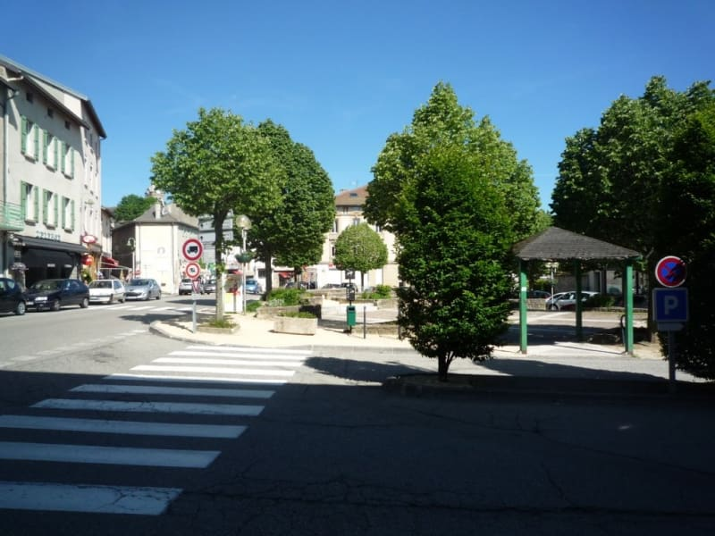 Location local commercial St agreve 180€ HC - Photo 1