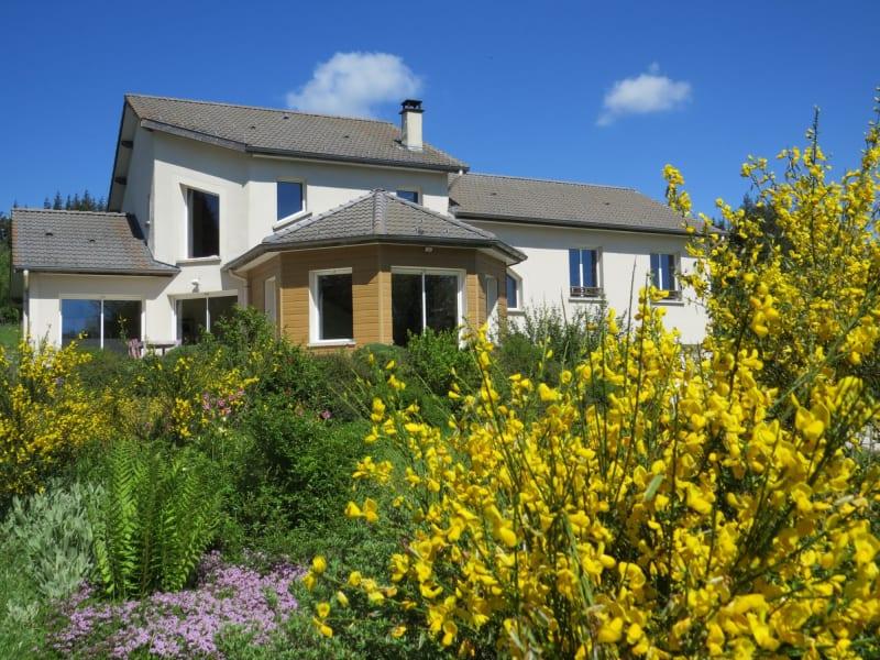 Sale house / villa Le chambon sur lignon 380000€ - Picture 1