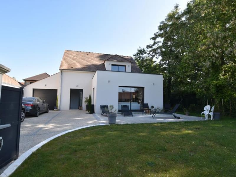 Sale house / villa Crespieres 675 000€ - Picture 1
