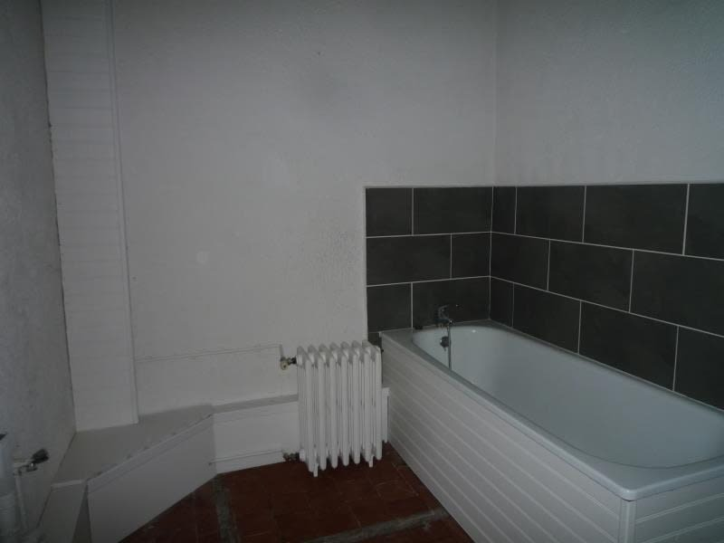 Rental house / villa Lusigny 620€ CC - Picture 6
