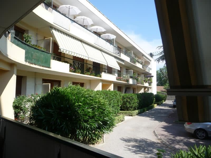 Sale apartment Aix en provence 296 000€ - Picture 2