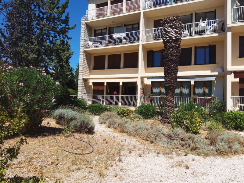 Rental apartment La ciotat 1 136,88€ CC - Picture 5