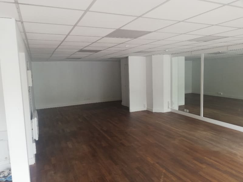 Location local commercial Quimper 1 250€ HC - Photo 2