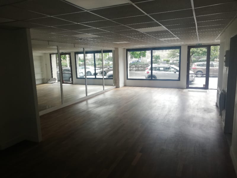 Location local commercial Quimper 1 250€ HC - Photo 3