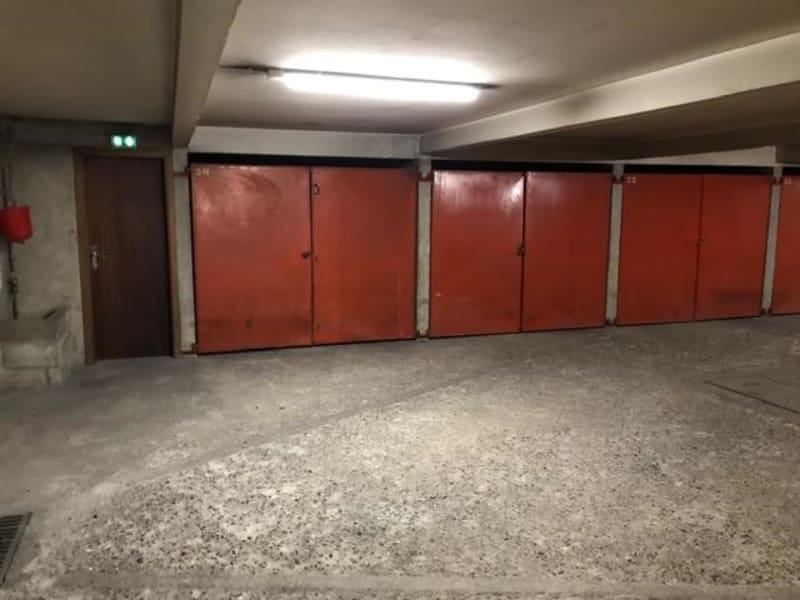 Parking spaces 1 room