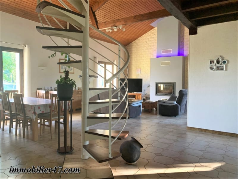 Sale house / villa Le temple sur lot 285 000€ - Picture 2