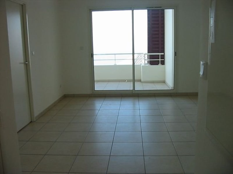 Location appartement Ste clotilde 800€ CC - Photo 3