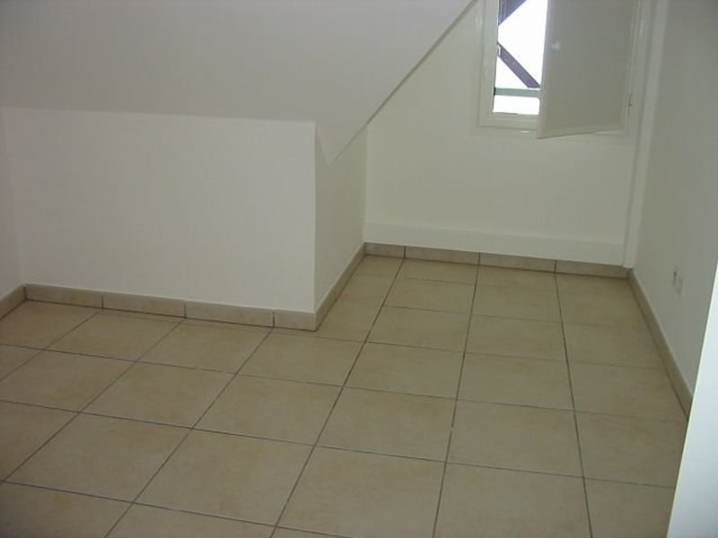 Location appartement Ste clotilde 800€ CC - Photo 6
