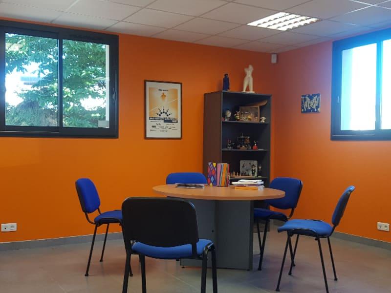 Vente local commercial Quimper 1060000€ - Photo 2