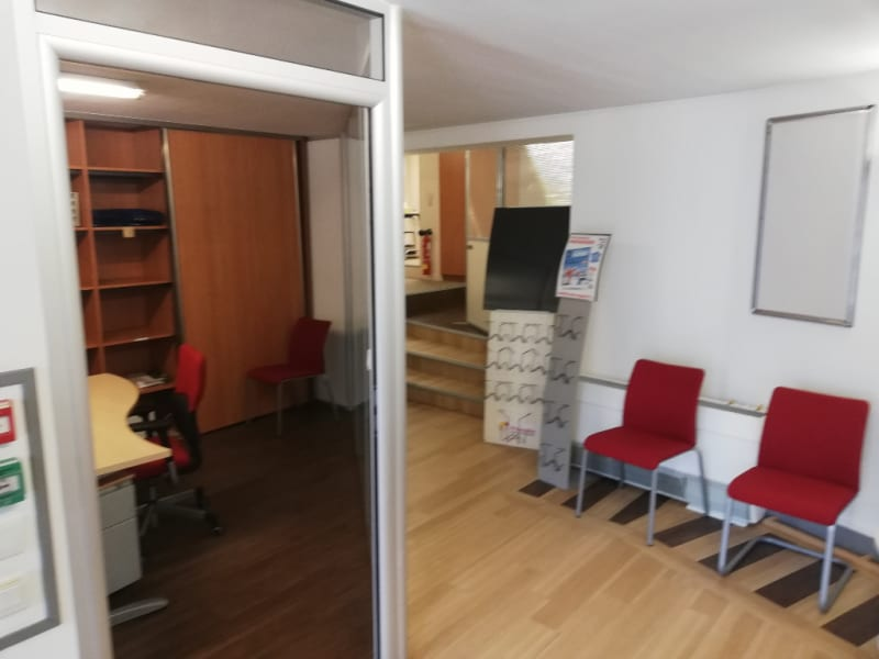 Location local commercial Quimper 3 500€ HC - Photo 2