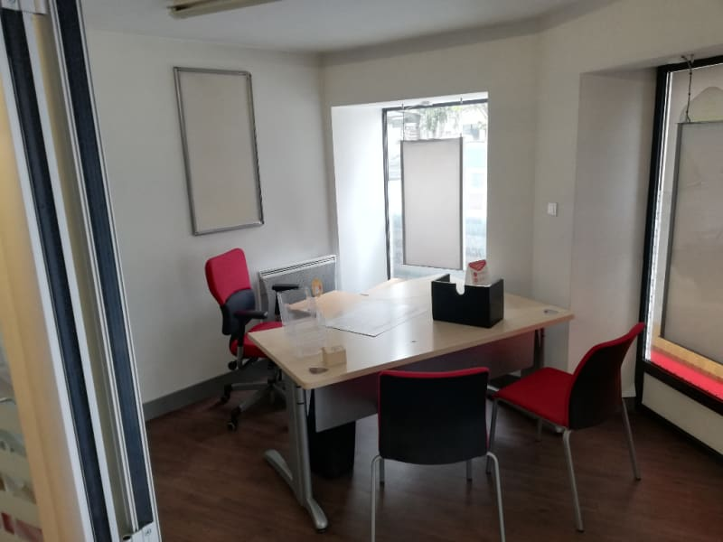 Location local commercial Quimper 3 500€ HC - Photo 5