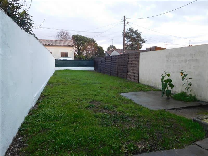 Location maison / villa St andre de cubzac 760€ CC - Photo 2