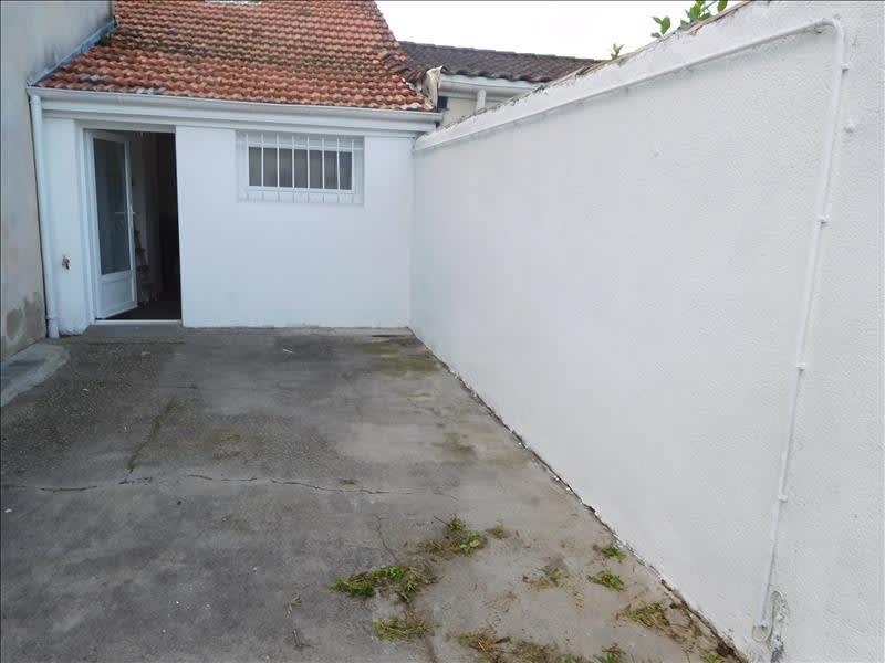 Location maison / villa St andre de cubzac 760€ CC - Photo 3